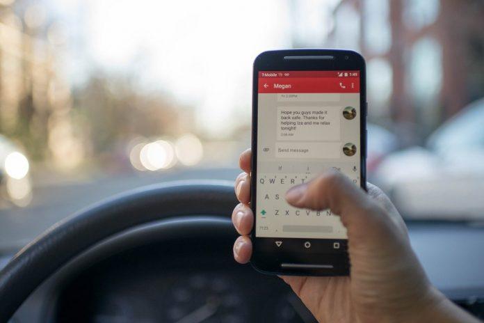 Dipendenza da smartphone e incidenti stradali
